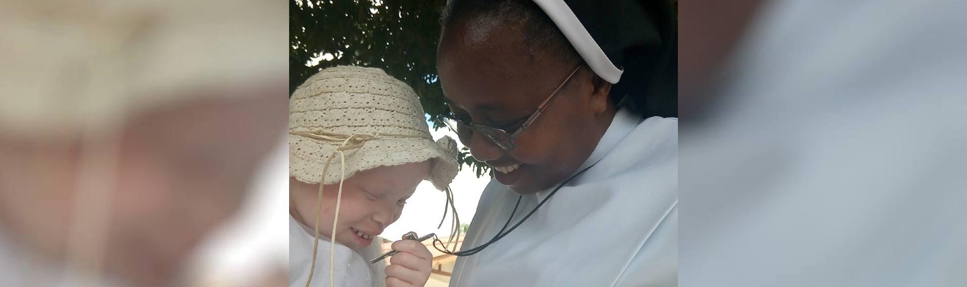 Ogni-abbandonato-trovi-in-voi-una-sorella-in-Ges-Cristo-e-una-madre